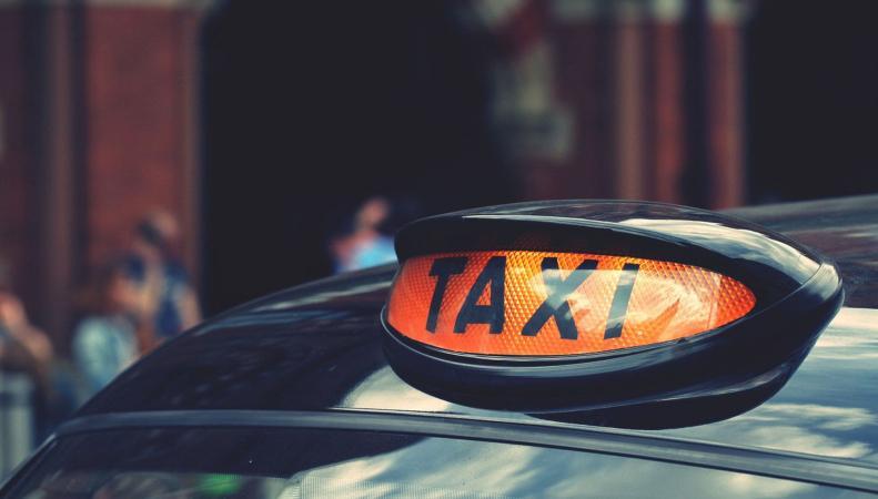 В Великобритании ужесточатся проверки таксистов