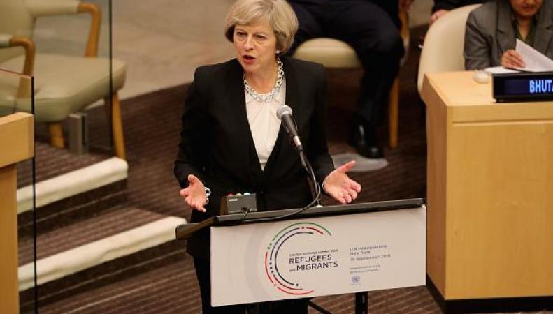 Тереза Мэй потребовала от лидеров мировых держав остановить транзит беженцев фото: independent.co.uk