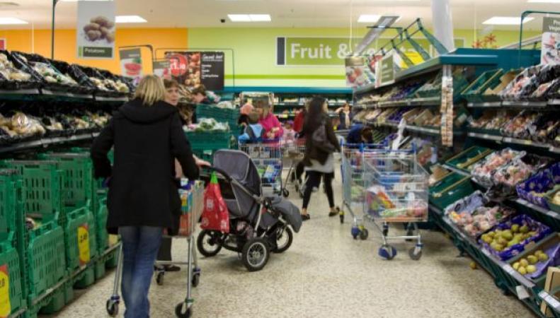 Британские супермаркеты столкнулись с ограничением поставок овощей из Европы фото:dailymail.co.uk
