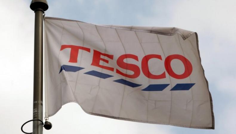 корпоративный флаг Tesco