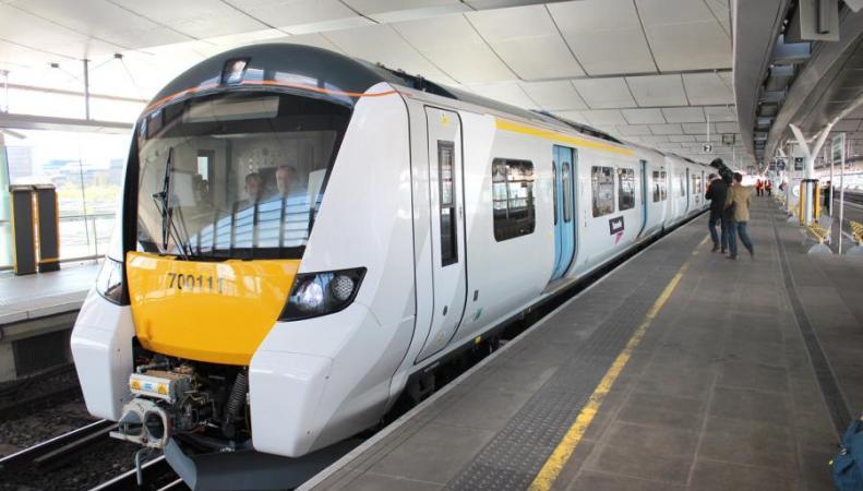 Беспилотные поезда появятся на железной дороге в Лондоне фото:standard.co.uk