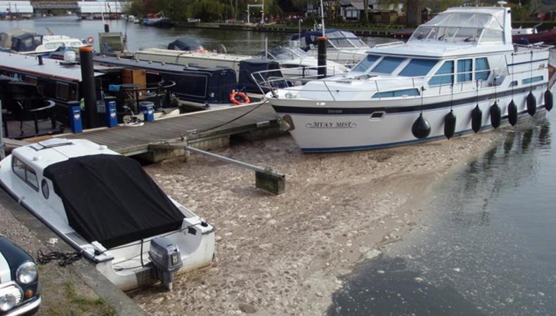 Коммунальная компания  Thames Water оштрафована за сброс неочищенных стоков в Темзу фото:standard.co.uk