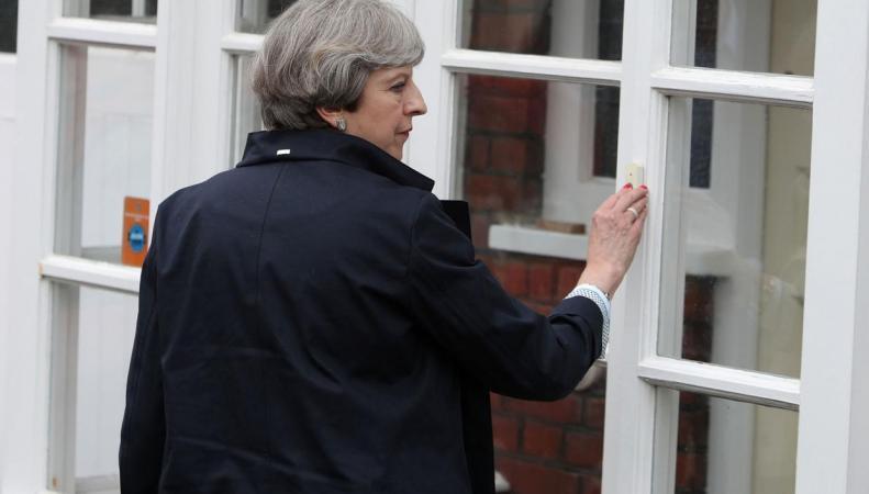 Консерваторы отказались от обещания строить дома для дешевой социальной ренты фото:independent