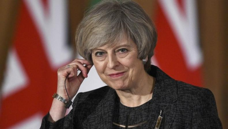 Тереза Мэй намерена действовать наперекор непринятому Биллю о Брекзите фото:PA