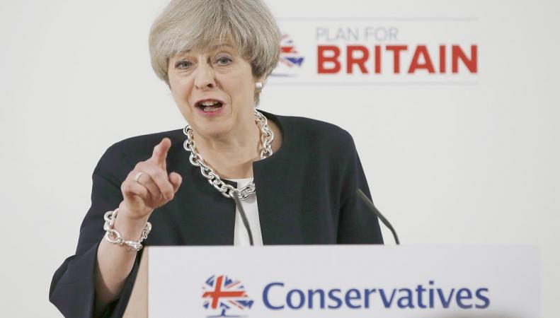 Разрыв голосов в поддержку консерваторов и лейбористов превысил двадцать процентов