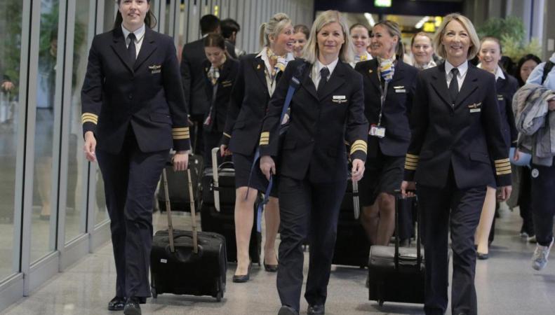 Авиакомпания туроператора Thomas Cook провела символическую акцию с целью пригласить женщин строить карьеру в авиации.