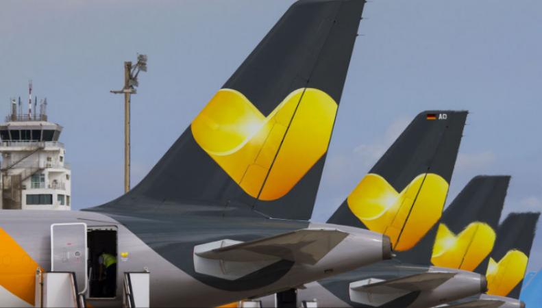 Из самолета Thomas Cook эвакуированы двести шестьдесят человек