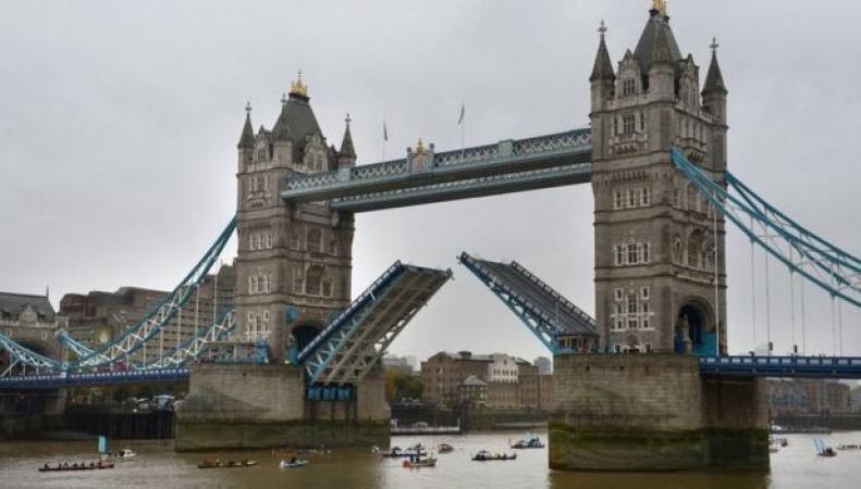 Тауэрский мост закроют на ремонт фото:bbc.com
