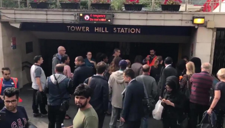 Пассажиры эвакуированы со станции метро Tower Hill фото:independent