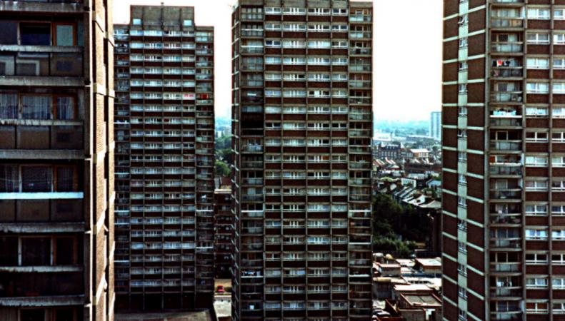 Жилые высотки в Лондоне могут пойти под снос после трагедии в Grenfell Tower