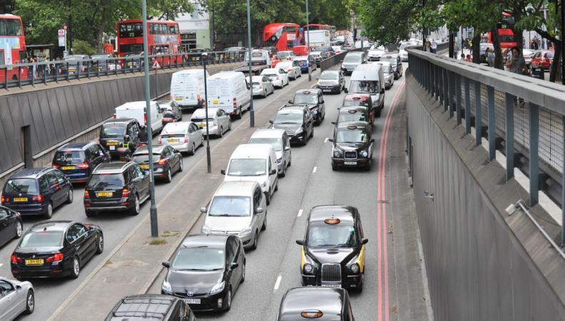 Лондон назван городом ссамыми ужасными пробками вевропейских странах
