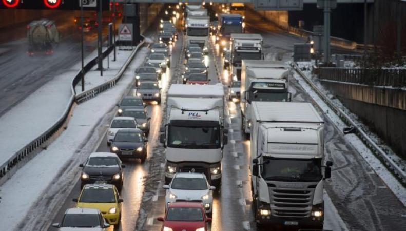 RAC сообщает об осложнении ситуации на дорогах Великобритании