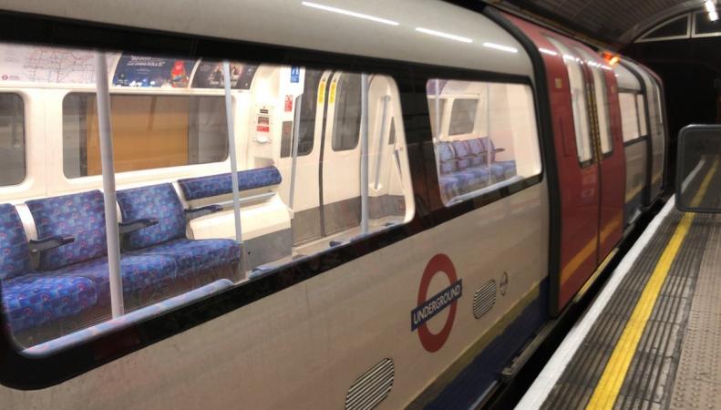 В Лондоне полностью обесточена линия метро Jubilee