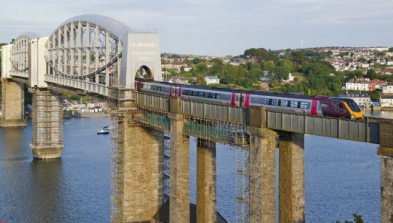 Найти дешевый железнодорожный тариф в Великобритании станет проще фото:bbc