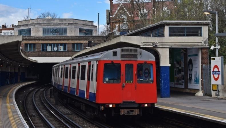 Лондонское метро прекращает эксплуатацию устаревшей серии поездов