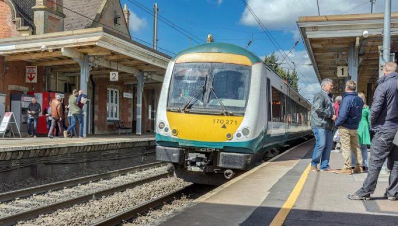 Названы худшие железнодорожные маршруты в Британии по цене и пунктуальности фото:thetimes