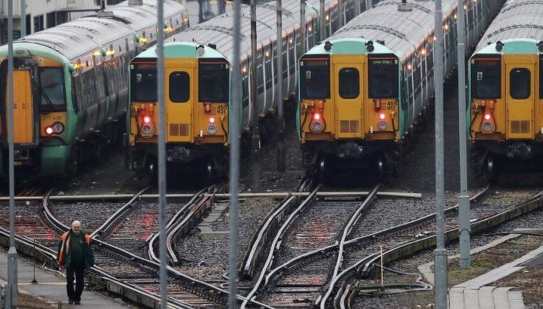 Машинисты трех железнодорожных операторов не выйдут на работу в понедельник фото:bbc
