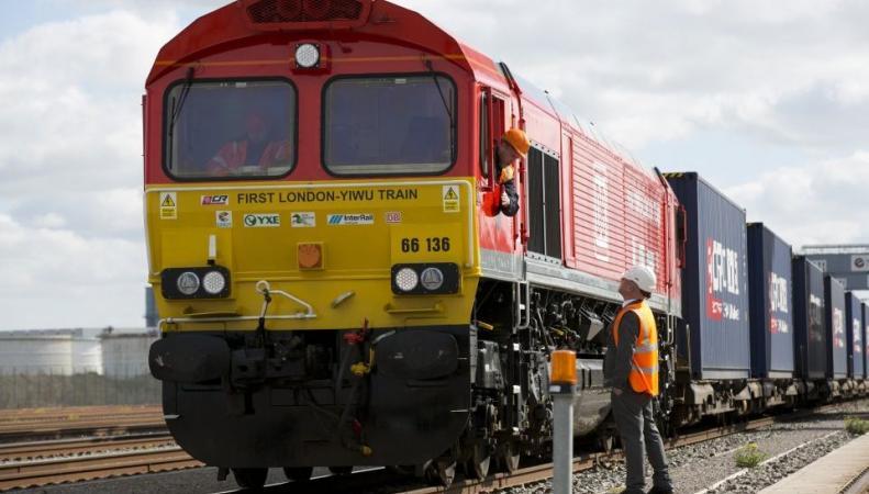 Первый китайско-британский грузовой поезд отправился в обратный путь