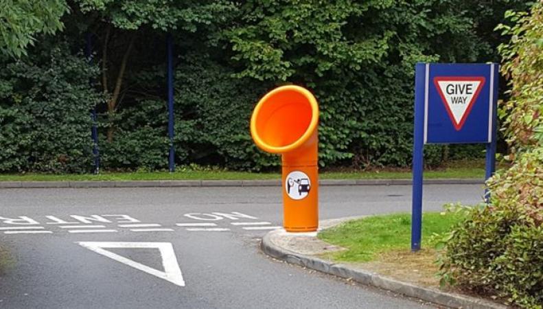 Новый тип мусорных баков появится  на британских дорогах фото:bbc