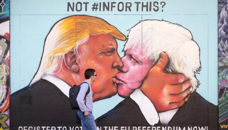 В Бристоле появилось оскорбительное для Джонсона пятиметровое граффити фото:huffingtonpost.com
