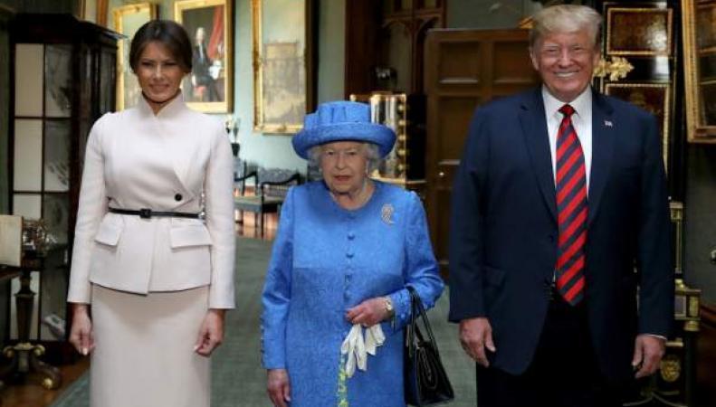Дональд Трамп дважды нарушил протокол во время встречи с королевой Елизаветой II