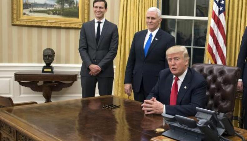 Дональд Трамп вернул Черчилля в Овальный кабинет фото:independent.co.uk