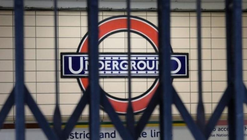 Новая забастовка профсоюза RMT может сорвать запуск ночной схемы лондонского метро фото:bbc.com