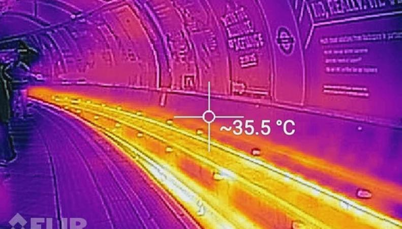 Тепловизор показал реальную температуру в лондонском метро в самый жаркий день лета фото:standard.co.uk