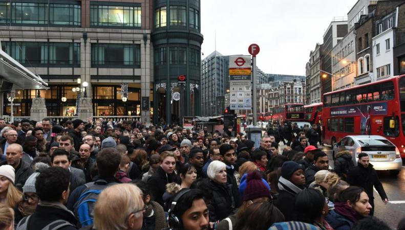 Uber  в Лондоне обвинили в спекулятивном взвинчивании цен фото:standard.co.uk