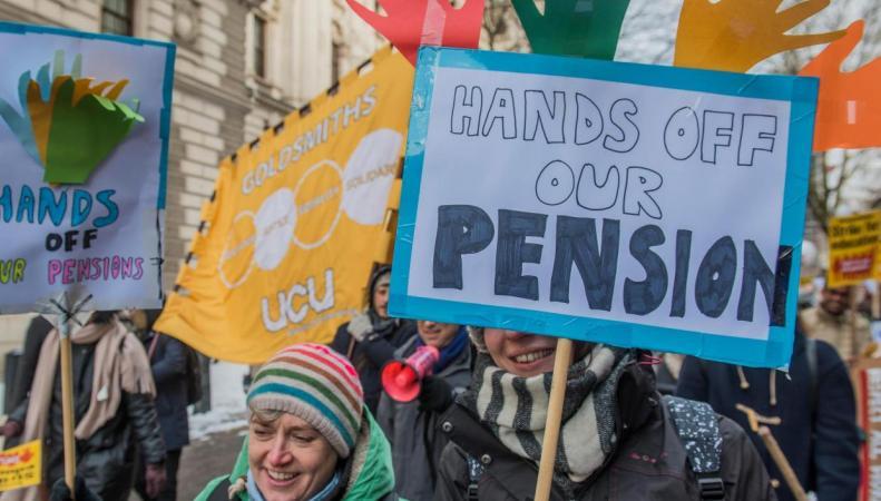Студенты британских вузов получат деньги за забастовку преподавателей