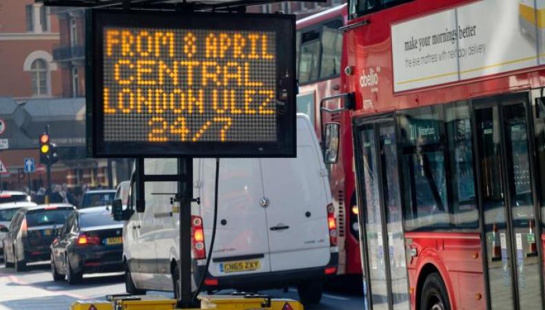 Владельцы «грязных» автомобилей игнорируют новый экологический сбор в Лондоне