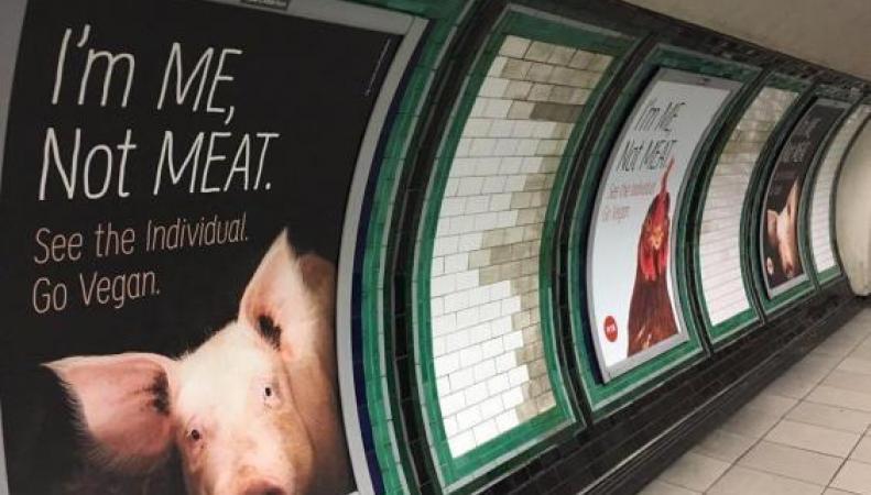 Веганы оккупировали рекламные площади на станции Clapham Common фото:standard.co.uk