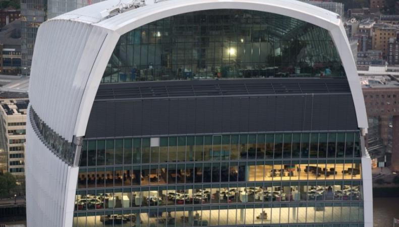 Китайские магнаты скупают лондонские небоскребы: на очереди Уоки-Токи фото:cityam