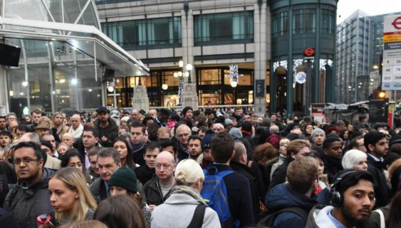 Жители Лондона требуют ограничить профсоюзы в праве на проведение забастовок фото:standard.co.uk