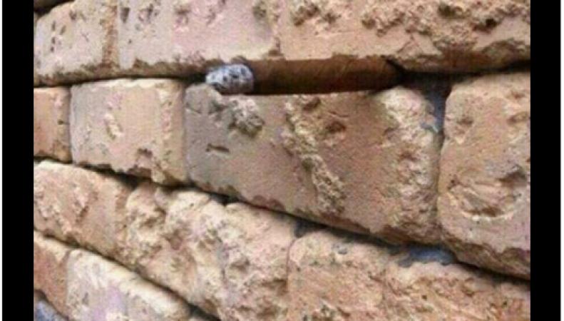 Загадка о каменной кладке стала новым «вирусом» в социальных сетях Британии фото:facebook