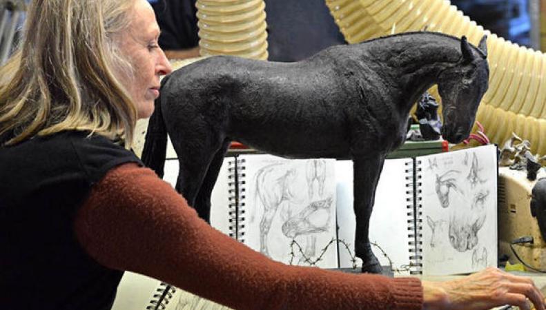 В Аскоте установили памятник военным лошадям