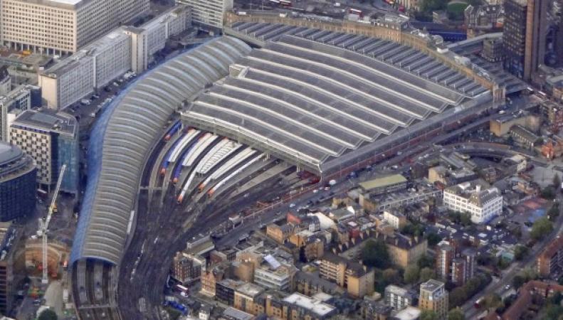 В Великобритании назвали самые загруженные железнодорожные вокзалы фото:gizmodo