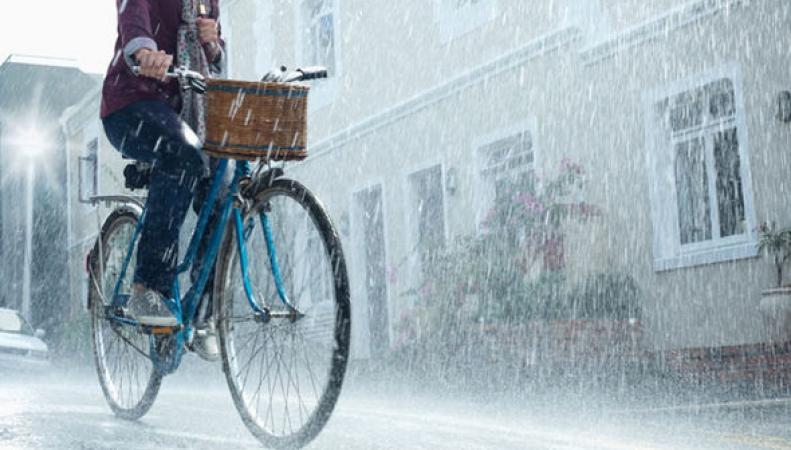 Штормовое предупреждение по Великобритании: Жара и ливень во вторник фото:express.co.uk