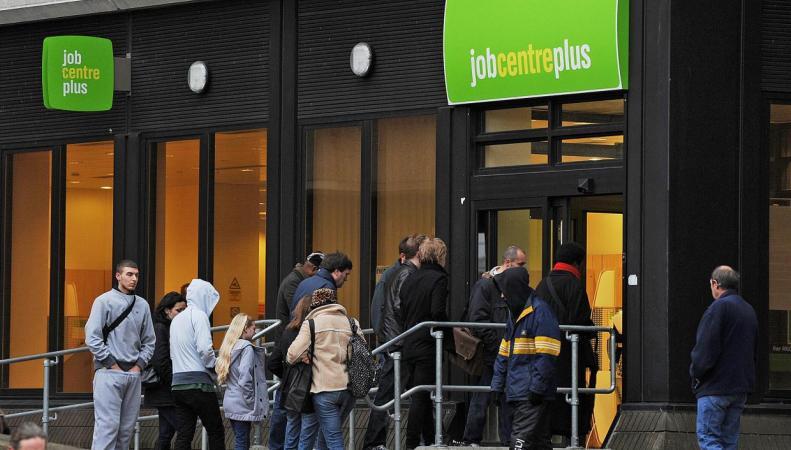 Средний уровень зарплат в UK снизится из-за избытка дешевой рабочей силы фото:independent