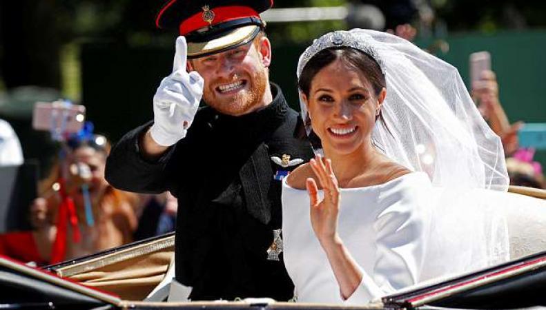 Официальные свадебные портреты королевской семьи представлены Кенсингтонским дворцом