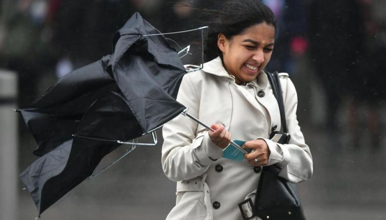 Метеорологи сообщили о резком усилении ветра по всей Великобритании