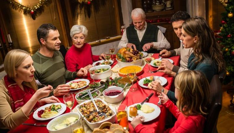 Британские супермаркеты назвали цену продуктового набора для рождественского ужина фото:theguardian.com