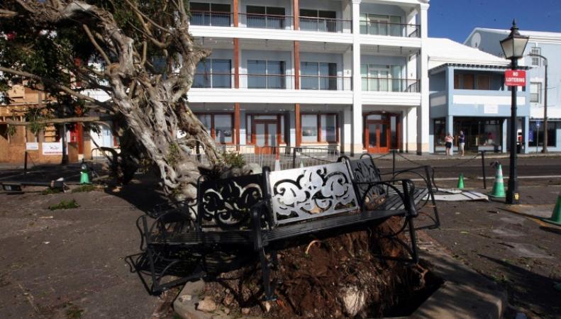 Последствия урагана на Бермудах
