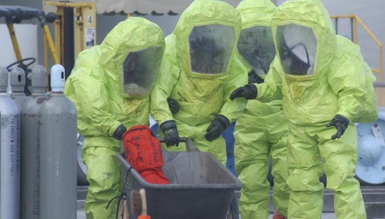 Специалисты по токсичным веществам