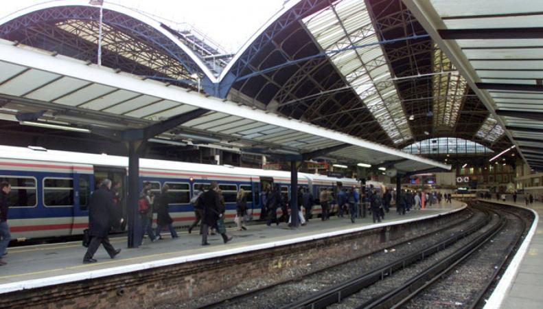 """В Лондоне на платформе станции метро """"Виктория"""" произошел пожар"""