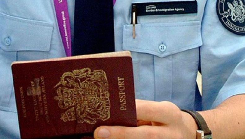 Хоум Офис разъясняет длительность проверки на границе российских граждан