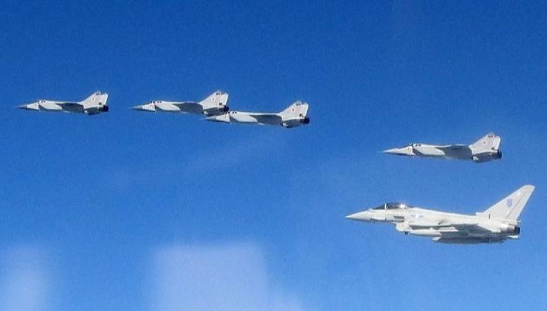 Российские самолеты помогли Британии показать свою значимость
