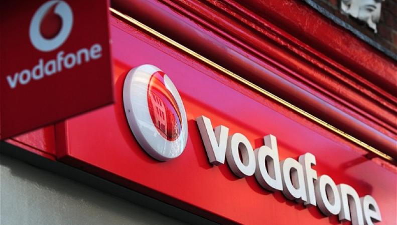 Вывеска магазина Vodafone в Лондоне