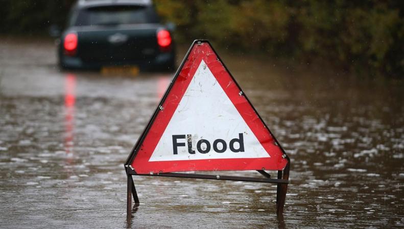 затопленное шоссе
