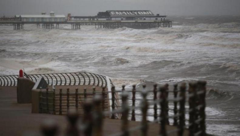 шторм у побережья